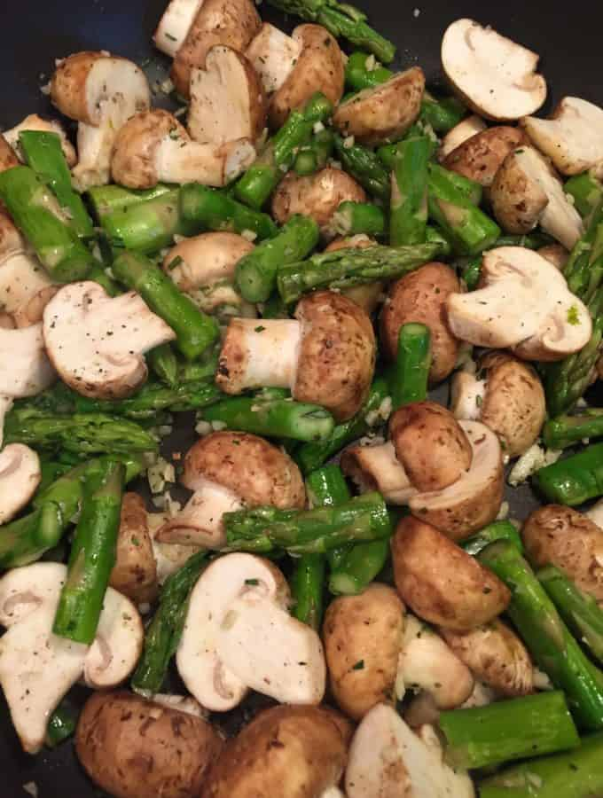 Garlicky Sautéed Mushrooms and Asparagus