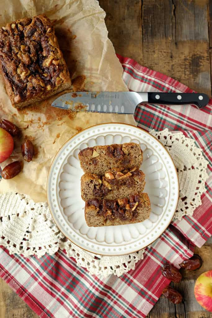 This cinnamon apple streusel bread tastes like a cinnamon roll that is taken up a notch with apple chunks. It's an easy to make Paleo treat! | Paleo, Gluten-Free, and Refined Sugar-Free. | realsimplegood.com