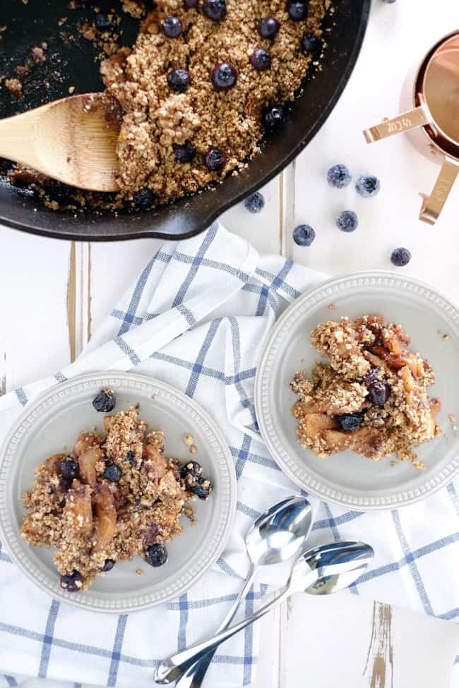 This paleo apple crisp is the perfect combination of savory and sweet. Naturally sweetened and full of textures and flavors. Paleo, Gluten-Free, Dairy-Free, Vegan and Refined Sugar-Free. | realsimplegood.com