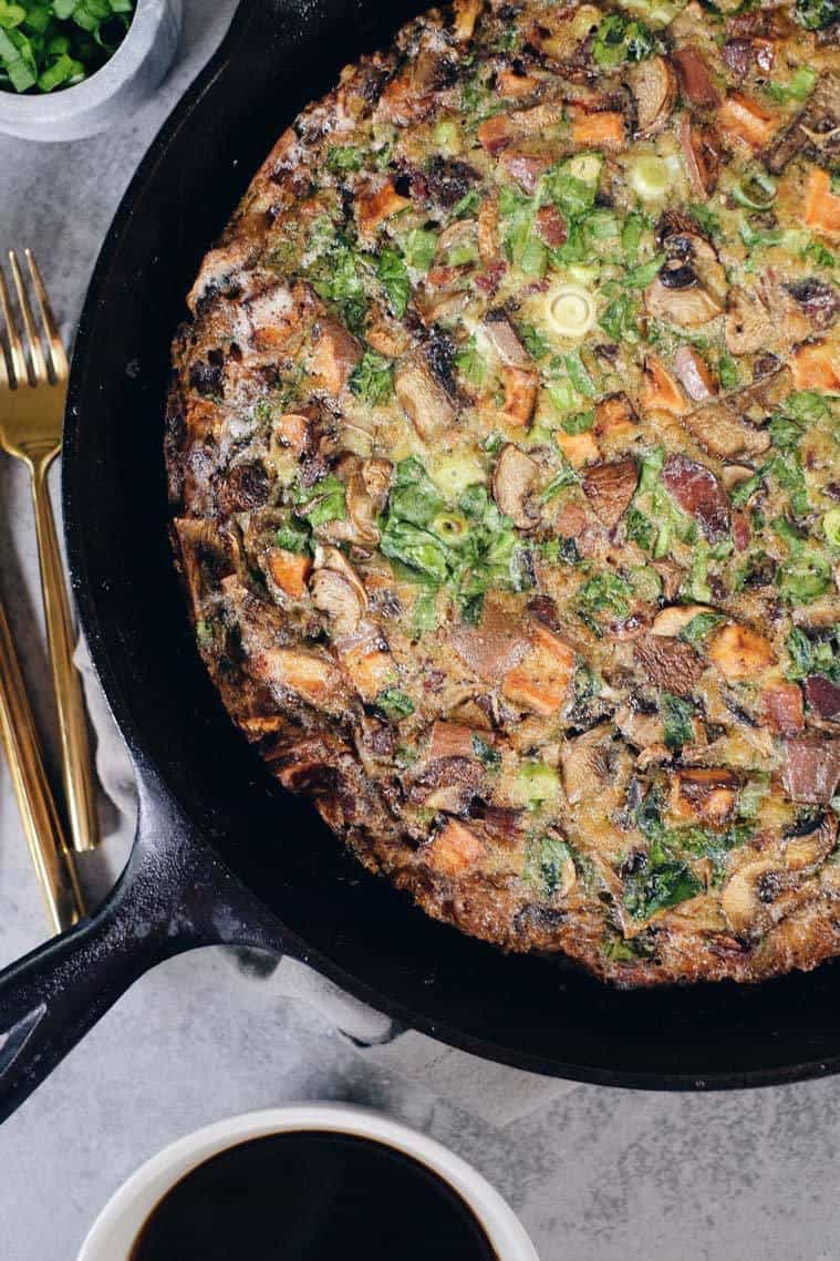 This Paleo and Whole30 bacon sweet potato frittata is a savory-sweet dish that is perfect for making over the weekend to have in the fridge during the week. Paleo, Whole30 + Dairy-Free | realsimplegood.com