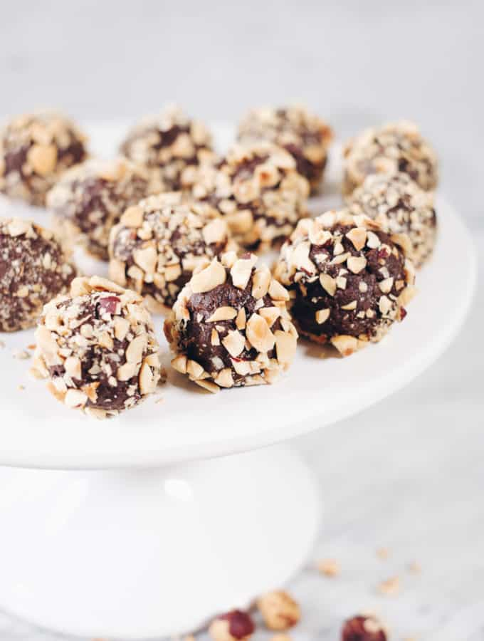 Healthy No Bake Chocolate Hazelnut Truffles (Paleo, GF, Dairy-Free + Refined Sugar-Free)