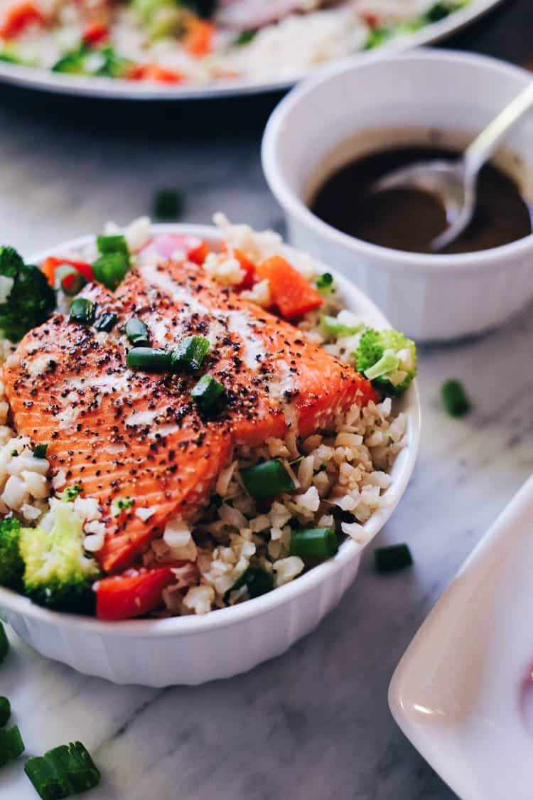 These honey ginger salmon bowls are not only a tasty way to enjoy salmon, but also quick and easy to make!They are Paleo, Gluten-Free and Soy-Free. | realsimplegood.com