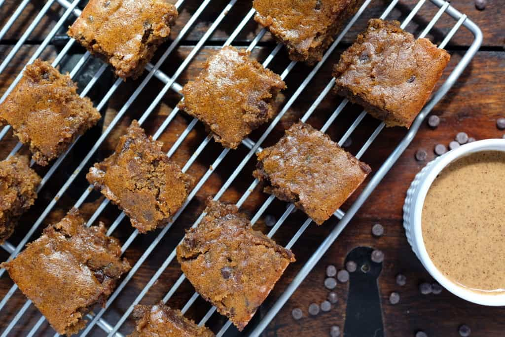Paleo pumpkin blondies