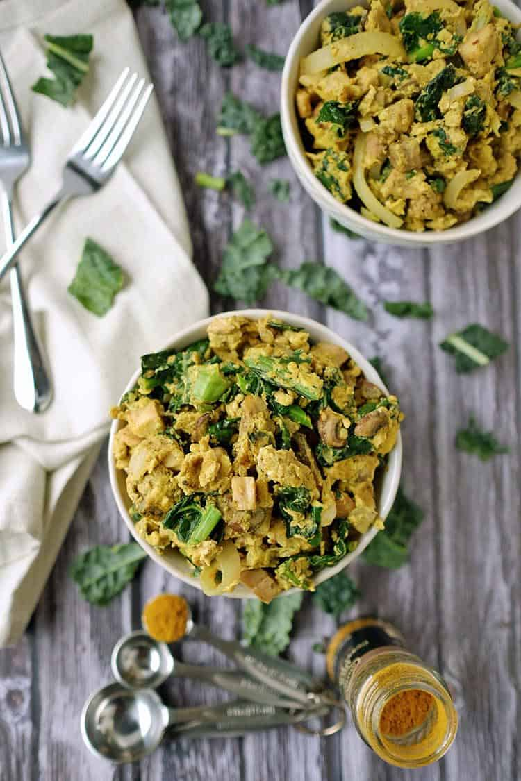 The flavor profile of these Paleo + Whole30 curry scrambled eggs is unique and appealing. Easy eggs flavored with delicious curry seasoning for a simple, healthy breakfast! Paleo + Whole30 | realsimplegood.com