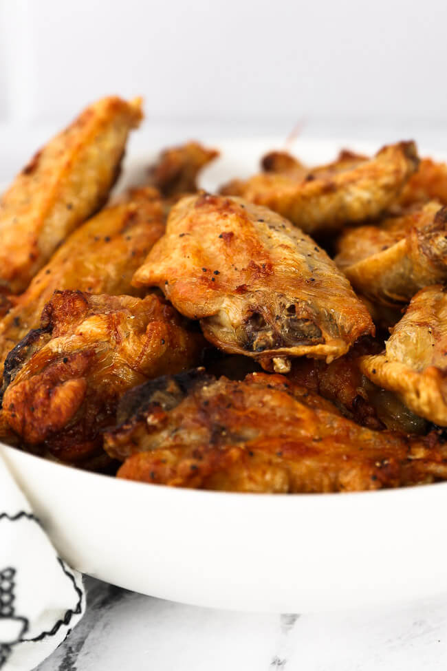 A bowl of air fryer chicken wings