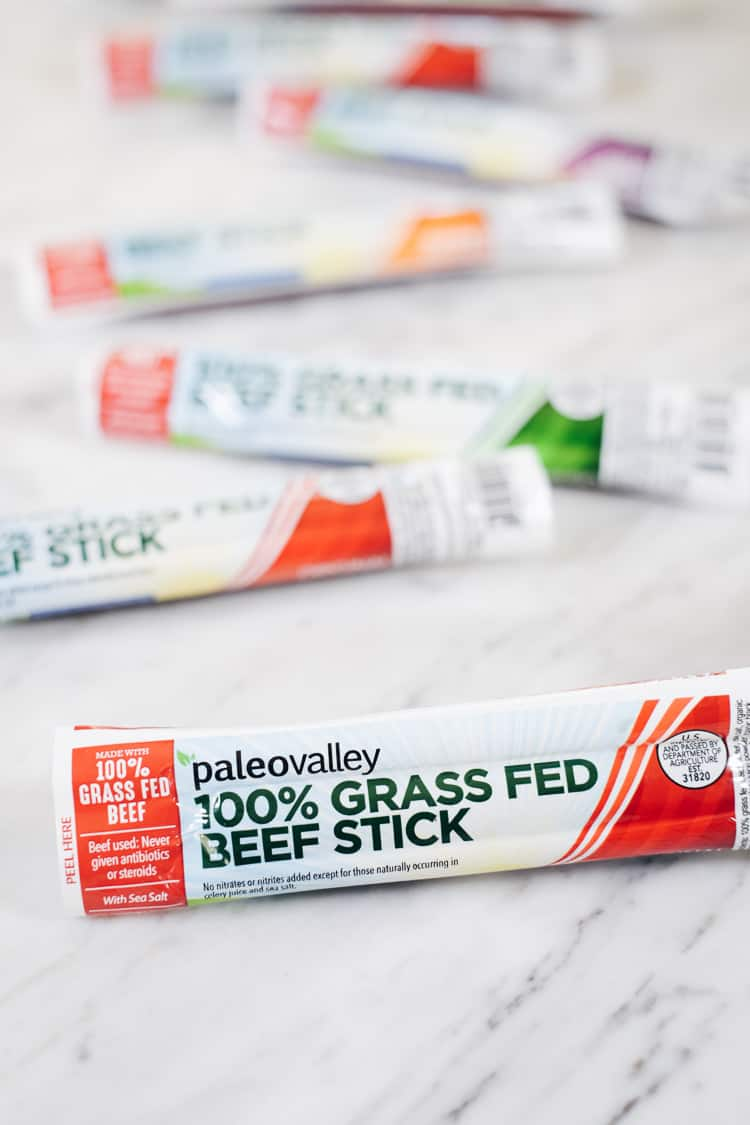 Life is busy and you need a healthy on-the-go snack option to stave off hunger. Try these delicious 100% grass fed beef sticks from Paleovalley! | realsimplegood.com