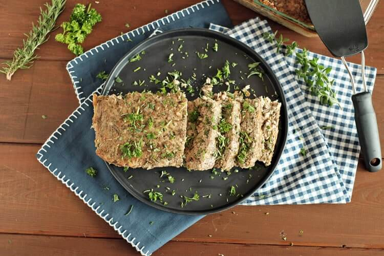 This paleo meatloaf has the flavor and seasonings of a normal meatloaf and it's packed with vegetables and fresh herbs. Comfort food that's good for you! Paleo, Gluten-Free and Whole30.   realsimplegood.com